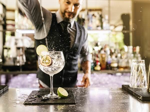 Why Should You Hire a Professional Barman For Your Company Conference?