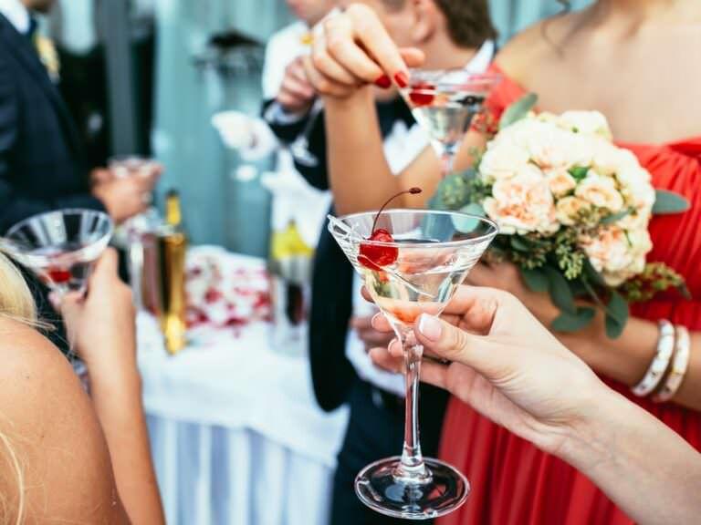5 Fun Cocktails for Your Wedding Bar Menu