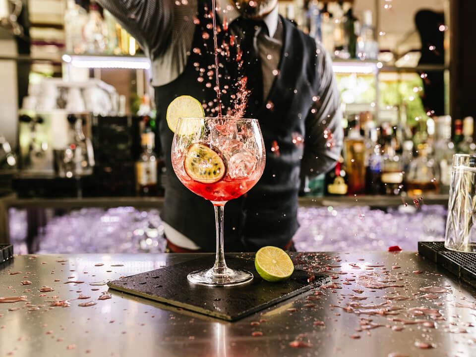 Innovative Cocktails bar hire