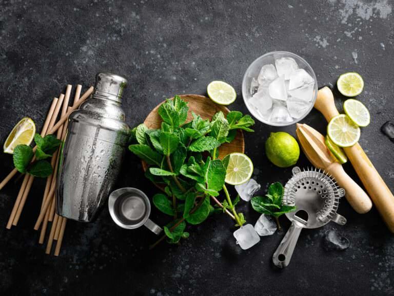 How to Make Cocktails Like a Professional